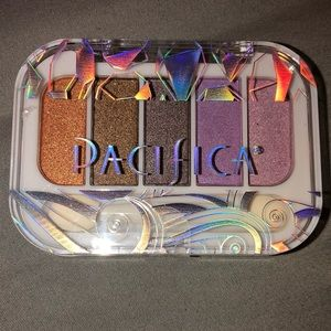 Pacifica Beach Crystals Natural Mineral Eye Shadow